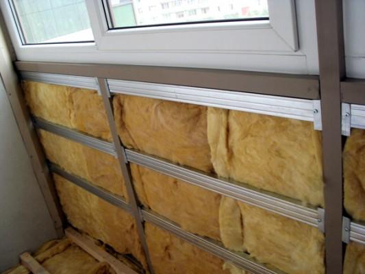 kak-uteplit-balkon-samostoyatelno-2